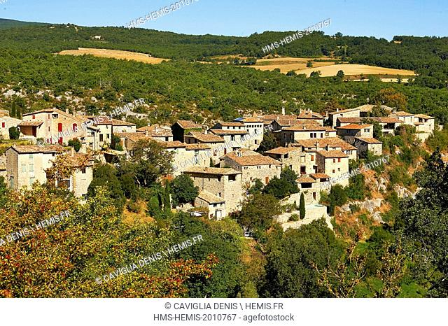 France, Alpes de Hautes Provence, Parc Naturel Regional du Luberon (Natural Regional Park of Luberon), Oppedette, overview