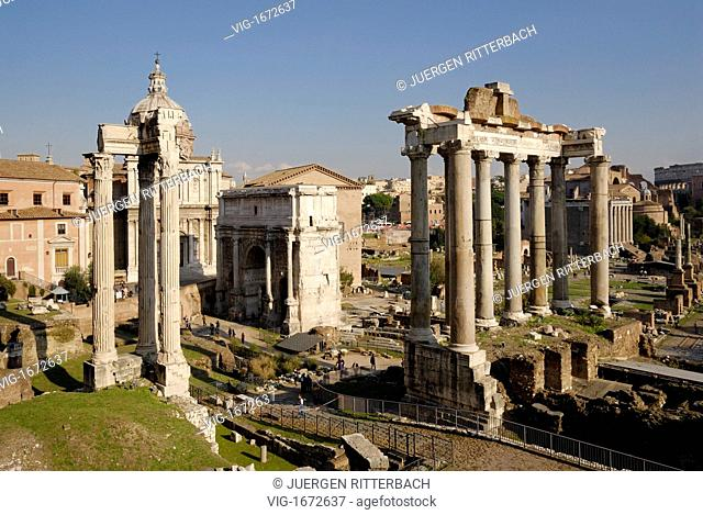 ITALY, ROME, 23.11.2008, Temple of Saturn, Arch of Septimius Severus behind, Roman Forum, Rome, Italy, Europe - ROME, ITALY, 23/11/2008
