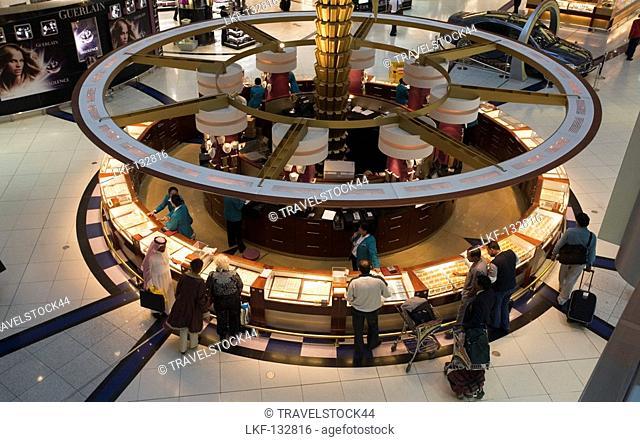 Dubai International Airport Dubai United Arab Emirates, Sheikh Rashid Terminal, duty free shopping zone, Gold shop