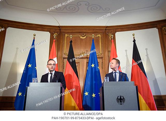 01 July 2019, Berlin: Heiko Maas (SPD, l), Foreign Minister, and Jeppe Kofod, Foreign Minister of Denmark, will answer journalists' questions at Villa Borsig