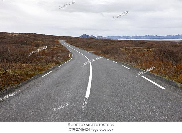 thingvallavegur route 36 road through thingvellir golden circle Iceland