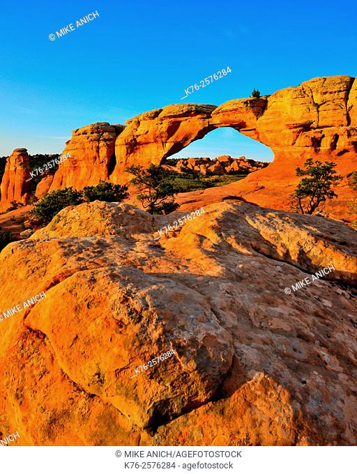 Utah, Arches National Park, Broken Arch