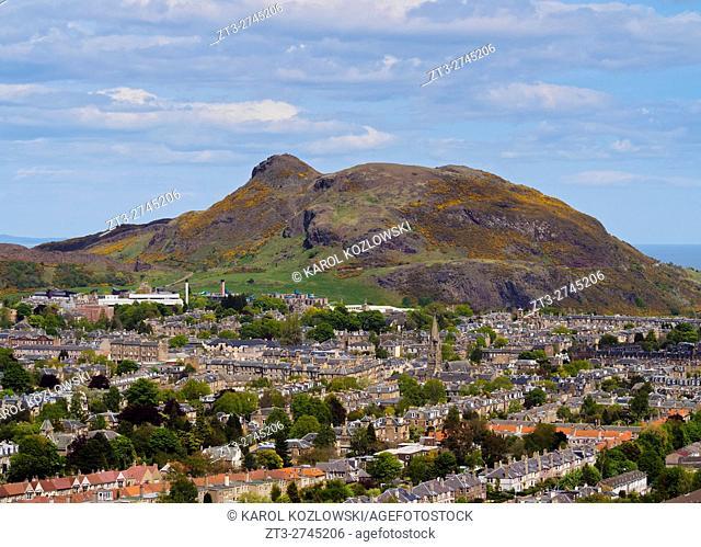 UK, Scotland, Edinburgh, View from the Blackford Hill towards the Holyrood Park