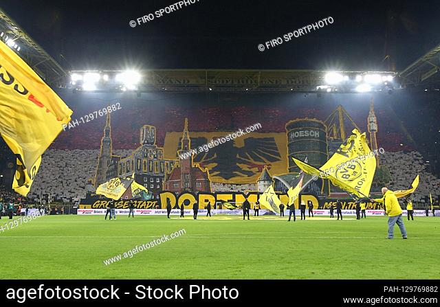 firo: 14.02.2020 Football, 2019/2020 1.Bundesliga: BVB Borussia Dortmund - Eintracht Frankfurt BVB fans Choreograhpie Cheo Sudtribune Choreography
