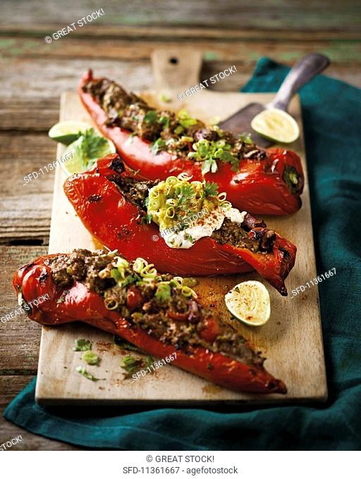 Peppers stuffed with spicy minced meat