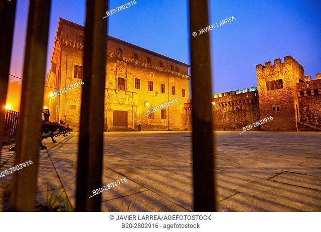 Palacio Escoriaza Esquivel, Medieval wall, Muralla Medieval, Vitoria-Gasteiz, Araba, Basque Country, Spain, Europe