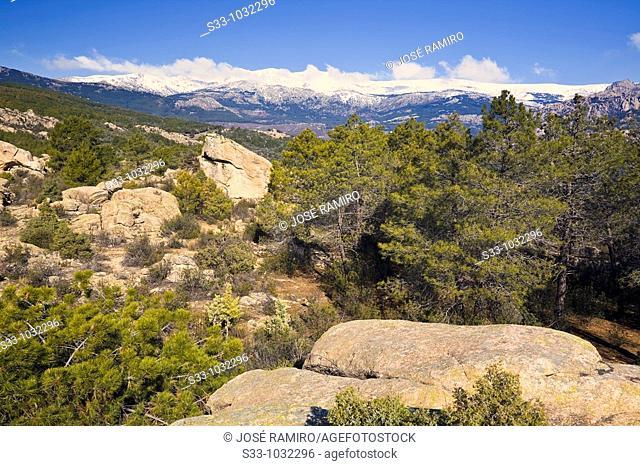 La Cuerda Larga desde el cerro de la Higuera  Parque Regional de la Cuenca Alta del Manzanares  Manzanares el Real  Madrid  España