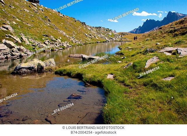lac long, vallee de la claree, nevache, hautes alpes, france