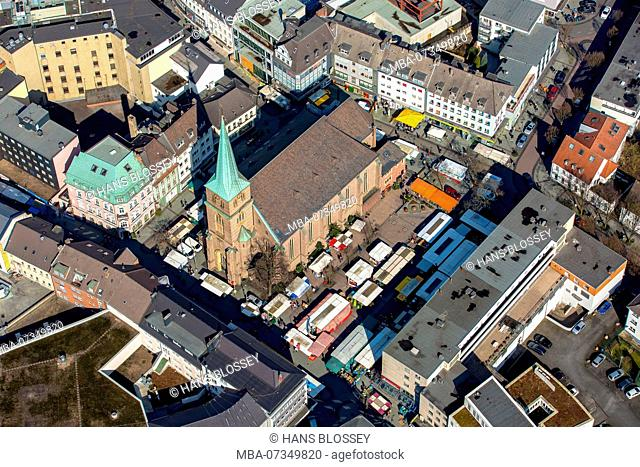 Provost church St. Cyriacus with weekly market, on the left next to Alte Apotheke Bottrop, Bottrop, Ruhr area, North Rhine-Westphalia, Germany
