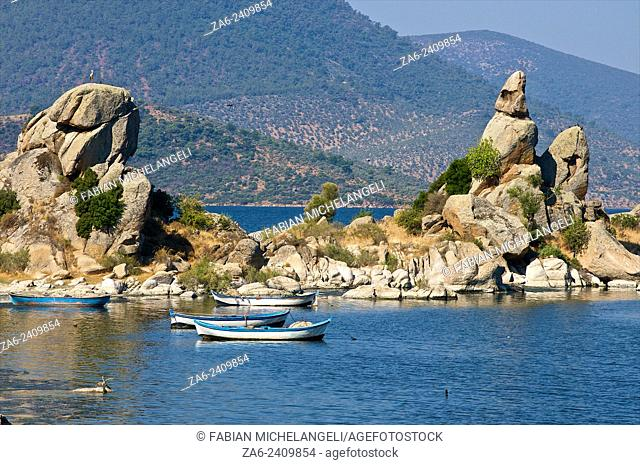 Fishing Boats near the village of Kapikiri at the foot of Mt Latmos on the shore of Lake Bafa in southwestern Turkey. In ancient times Lake Bafa was open to the...