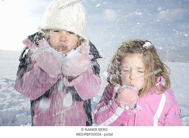 4757c34212344 In the blowing snow Stock Photos and Images