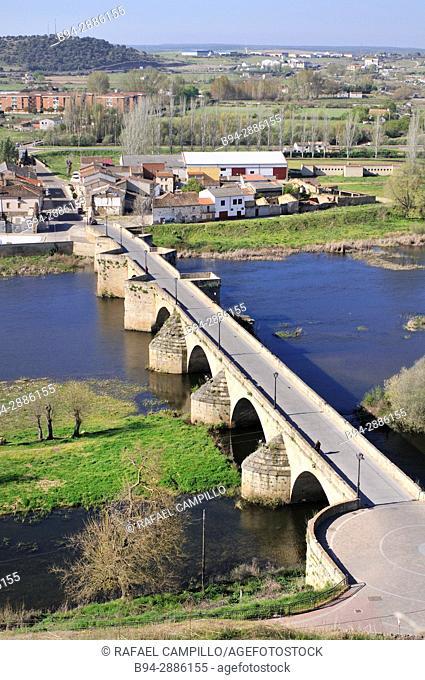 The stone bridge over the Agueda river, Ciudad Rodrigo, Salamanca. Castile and Leon, Spain