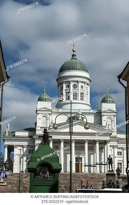 Helsinki Cathedral (Helsingin tuomiokirkko) with partial view of a green telephone booth in the foreground. Helsinki, Finland, Europe