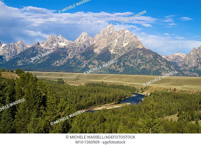 Popular overlook of Grand Tetons and Snake River, USA