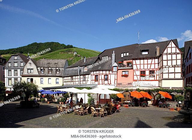 Karlsbader Platz' (square), old houses in the Old Town of Bernkastel, Bernkastel-Kues, Rhineland-Palatinate, Germany