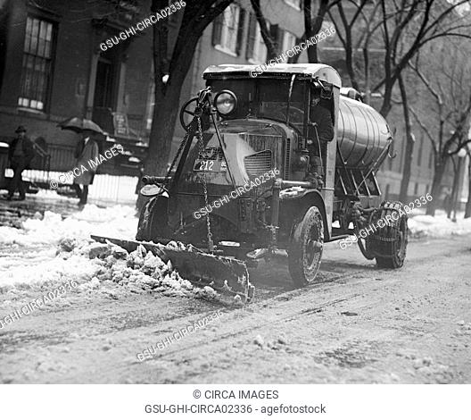 Clearing Street of Snow after Blizzard, Washington DC, USA, National Photo Company, January 1922