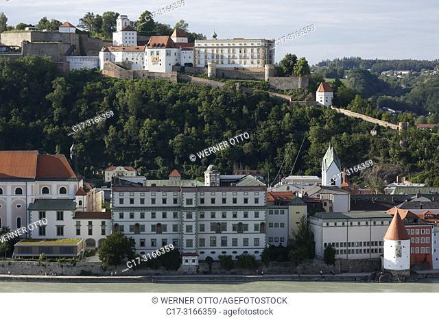 Passau, D-Passau, Danube, Inn, Ilz, panoramic view with Danube bank and old town, f. l. t. r. Leopoldinum high school, former Jesuit college