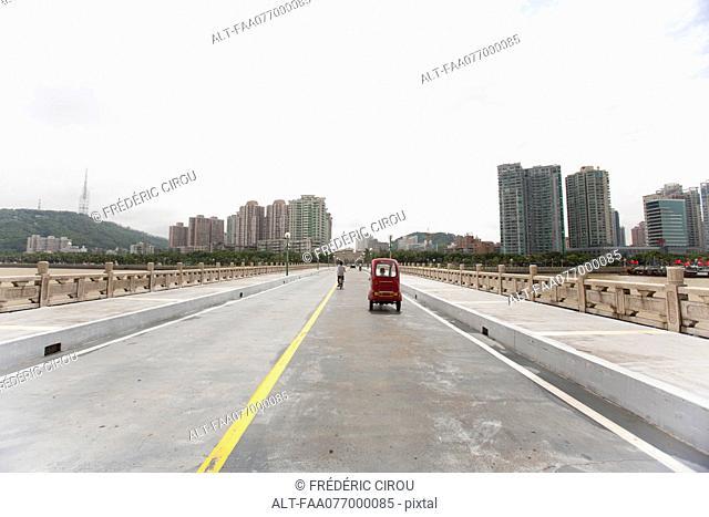 Light traffic on bridge, Shandong province, China