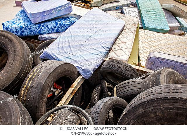 Tire storage to recycle, recycling center