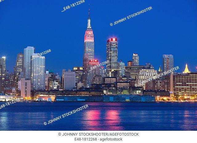 Empire State Building, Midtowm Skyline, Hudson River, Manhattan, New York City, USA