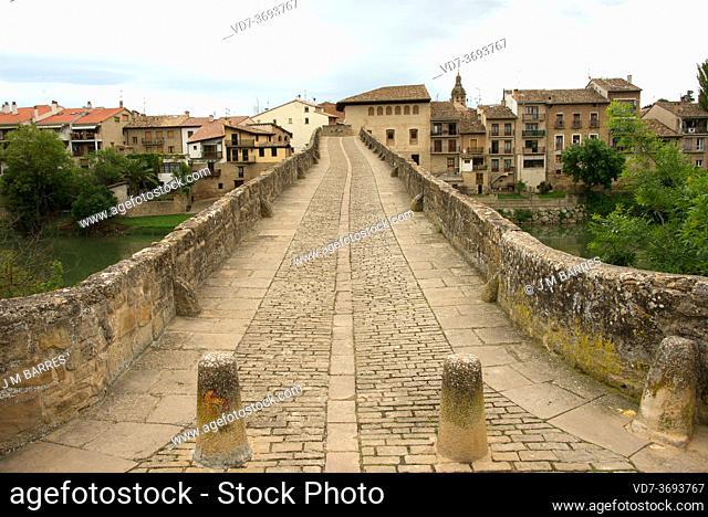 Puente la Reina or Gares. Arga river and romanesque bridge (11th century). Camino de Santiago. Navarra, Spain