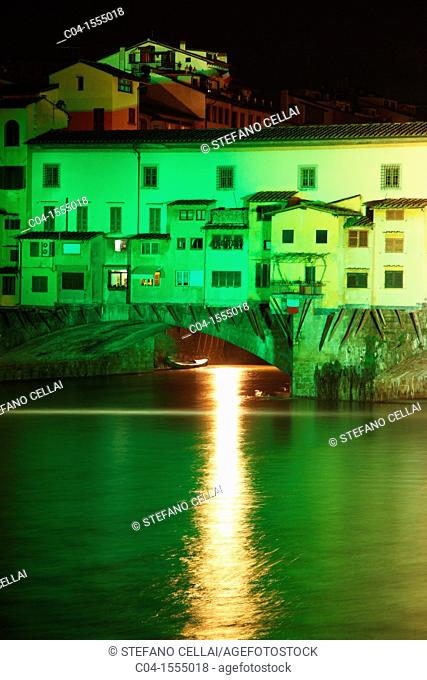 Italy, Florence, Ponte Vecchio and Arno river