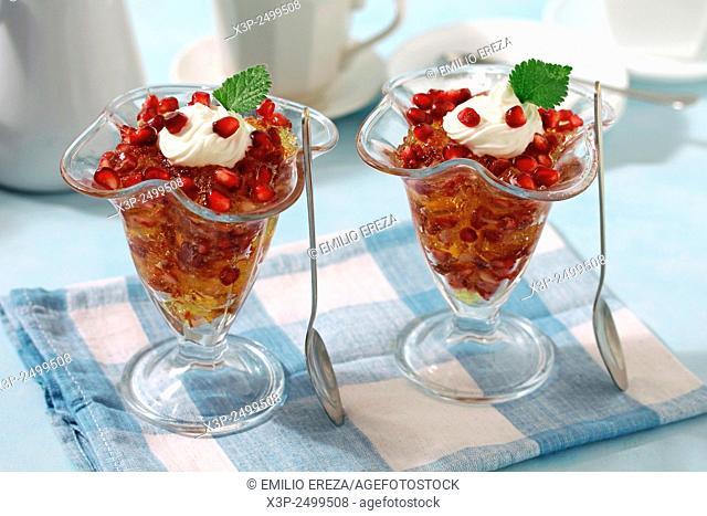 Lemon jelly with pomegranate