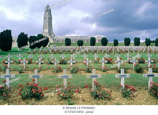 France, Lorraine, Verdun, Douaumont ossuary and cemetry