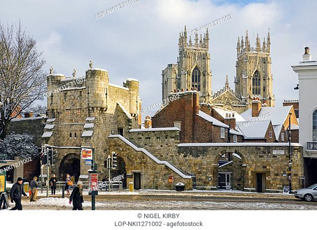 England, North Yorkshire, York, Bootham Bar and York Minster from Exhibition Square in winter
