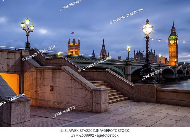 Dusk at Westminster Bridge in London, England