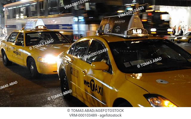5th Avenue, 42nd Street, Yellow Taxi Cab, New York City, USA