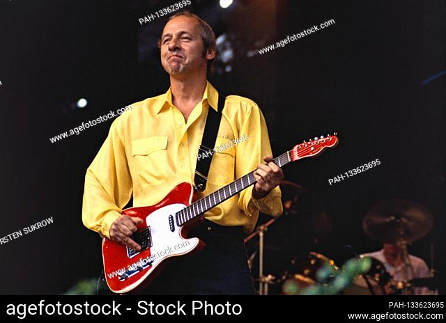 June 8th, 1996, Hamburg, Mark Knopfler live and Open Air on the Golden Heart Europe Tour in Hamburg's Stadtpark with a Schecter Telecaster