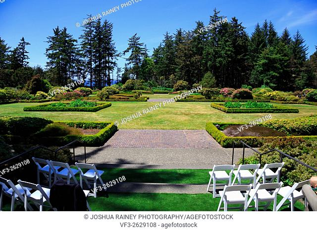 Shore Acres State Park along the Oregon Coast features this beautiful botanical garden for wedding ceremonies