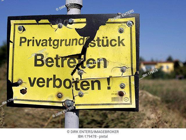 Sign: Private Property - Keep Off