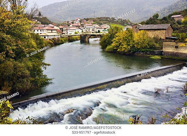 Oroz-Betelu y rio Irati  Navarra  España