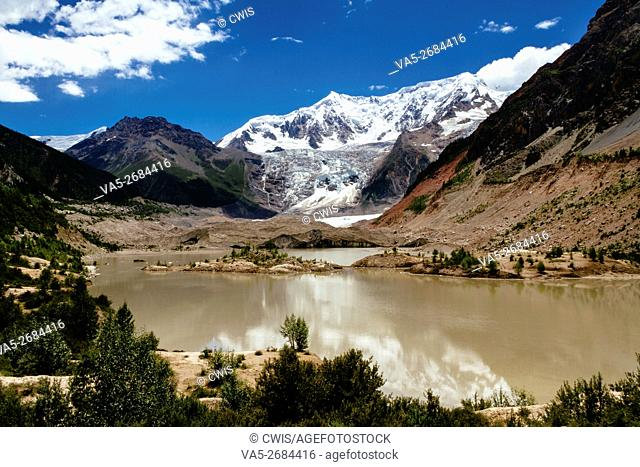 Midui Glacier, Nyingchi, Tibet - The beautiful landscape of Midui Glacier, one of the most beautiful glacier in China