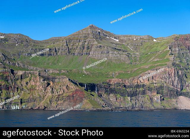 Coastal landscape near Seyðisfjörður, Austurland, East Iceland, Iceland, Europe