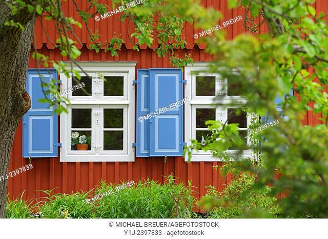 Red wooden house, Village Born, Darss, Fischland-Darss, Baltic sea, Mecklenburg-Western Pomerania, Germany, Europe