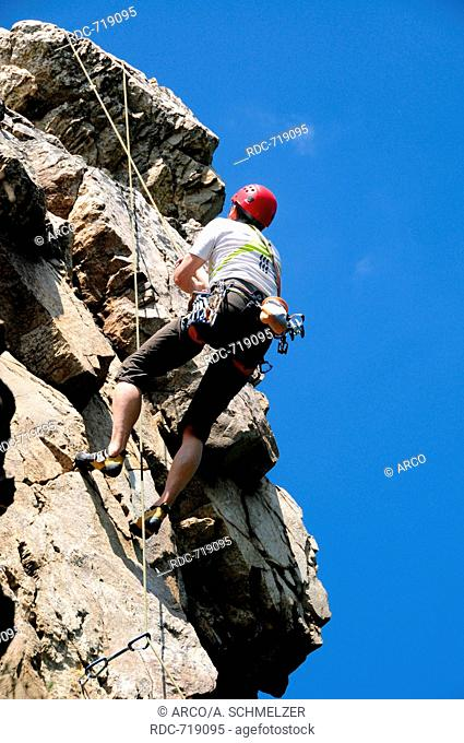 Rock Climbing, abseiling, abseil, rappell, roping down