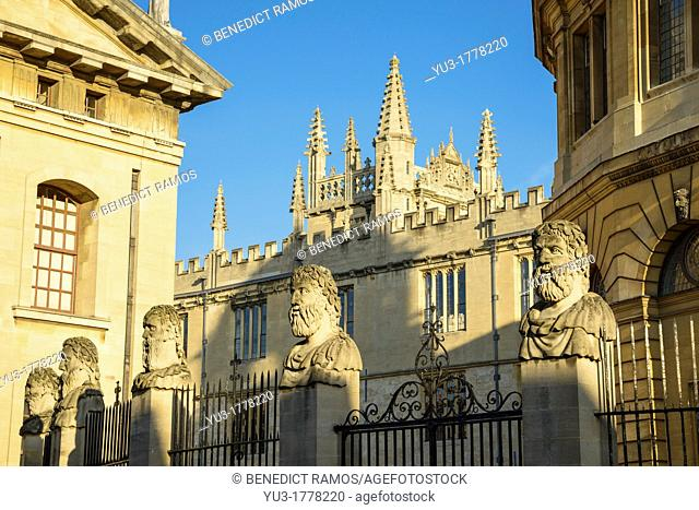 View from Broad Street of the Bodleian Library and Sheldonian Theatre, Oxford University, England, UK