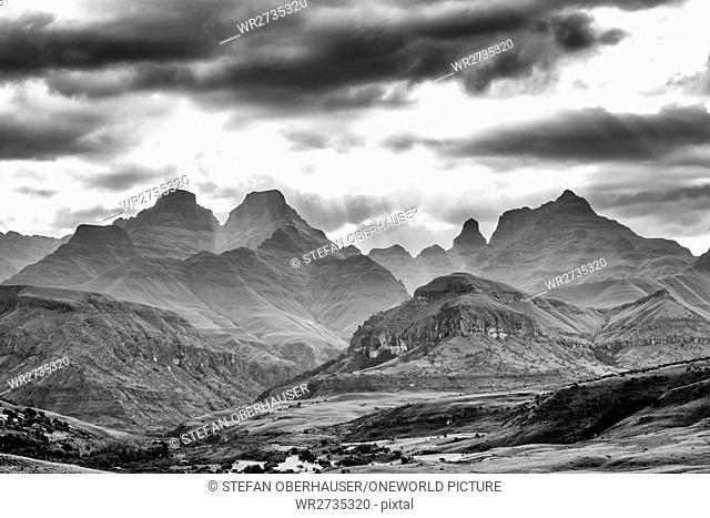 South Africa, KwaZulu-Natal, Giants Castle Game Reserve, black and white shot of Cathedral Peak in the Drakensberg Mountains