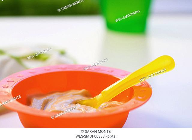 Baby food in bowl, close-up