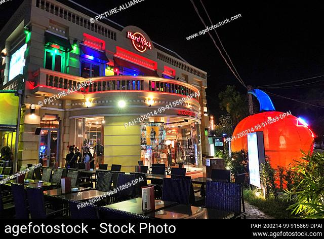 24 October 2019, Cambodia, Siem Reap: Evening shot of the Hard Rock Cafe (HRC) in the city centre. Photo: Soeren Stache/dpa-Zentralbild/ZB