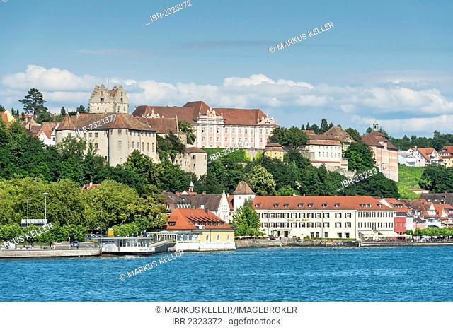 View across Lake Constance towards the historic district of Meersburg, Bodenseekreis district, Baden-Wuerttemberg, Germany, Europe