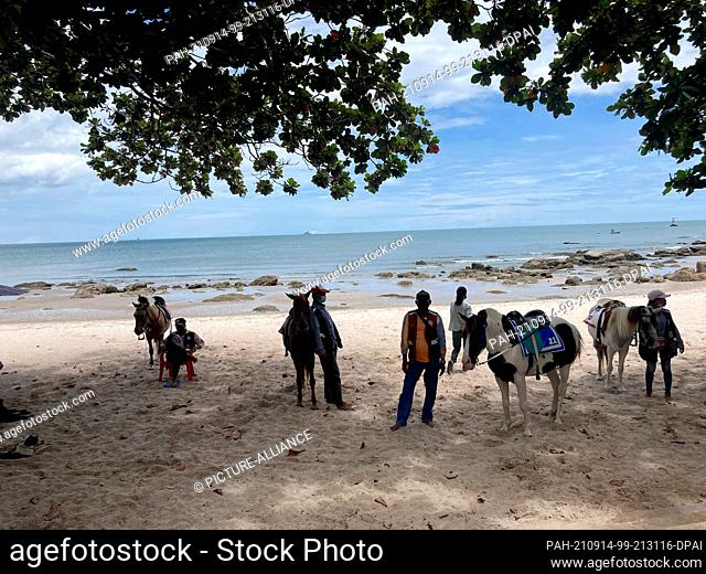 PRODUCTION - 10 September 2021, Thailand, Hua Hin: The inhabitants of the popular holiday resort Hua Hin on the Thai mainland are still waiting for visitors -...