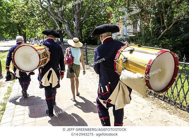 Virginia, Colonial Williamsburg, Duke of Gloucester Street, living history museum, 18th-century America, re-creation, reenactor, costume, uniform, military band