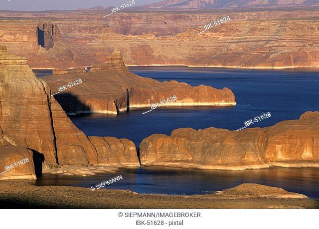 USA Utah Lake Powell Glen Canyon National Recreation Area - view from Romana Mesa