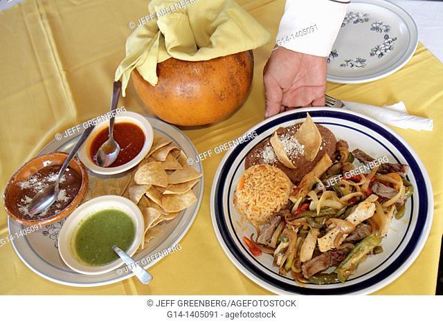 Mexico, Yucatán Peninsula, Quintana Roo, Cancun Beach, Hotel Zone, Avenida Kukulkan, food, mixed fajitas, restaurant, business, plate, beef, chicken, rice