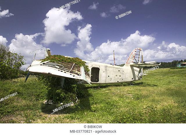 Grenada, East coast, Pearl Airport, Grenadan Military base, Flugzeugwrack,  Caribbean, West Indian islands, little one Antilles, islands over the wind, island