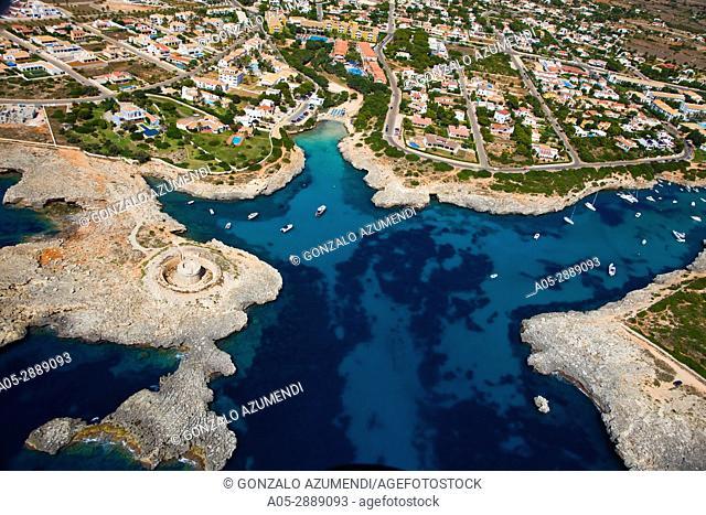 Cala Santandria y Castillo Es Castelar. Menorca. Minorca. Islas Baleares.Balearic Islands. Spain